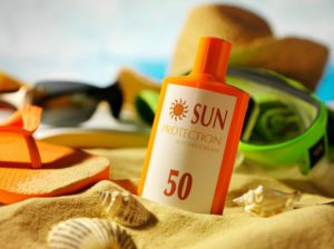 908922-sunscreen_bottlephoto_-1435139504