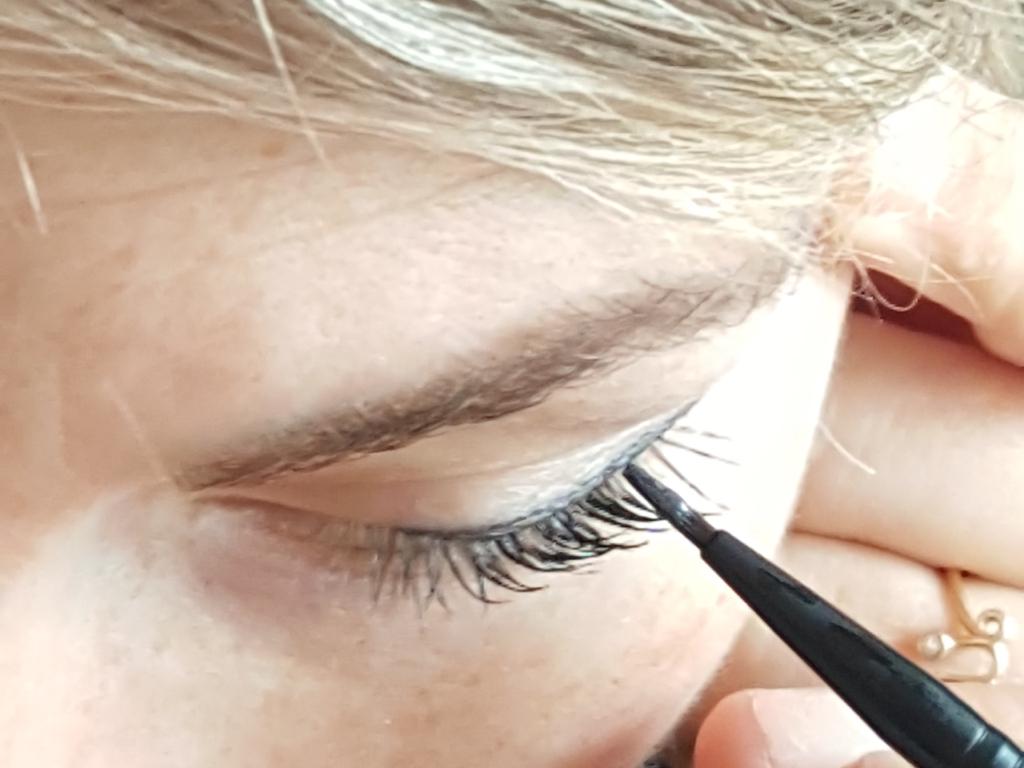 delphine-eyeliner-14-001